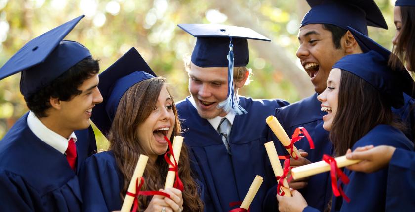 счастливые выпускники вузов сша